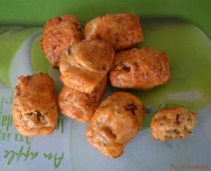 Mini cakes tomates séchées, chèvre et ciboulette (4)