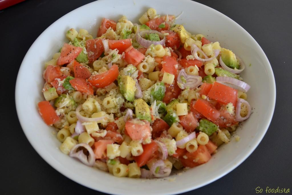 Salade de p tes l avocat et au crabe so foodista for Eliminer les vers des salades