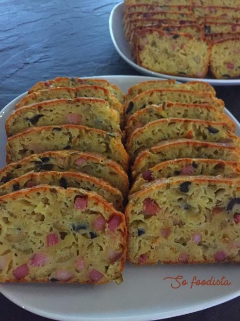 cake olives vertes et lardons (1)