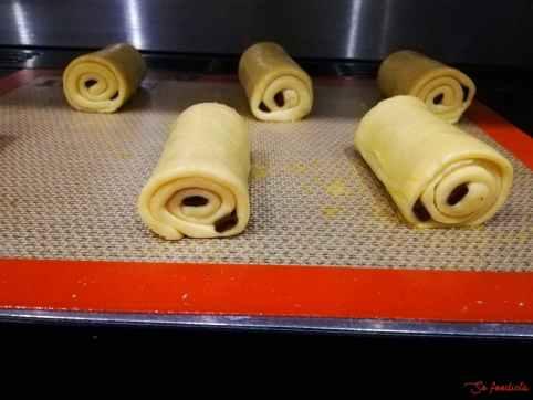 pain au chocolat brioché doré à l'oeuf