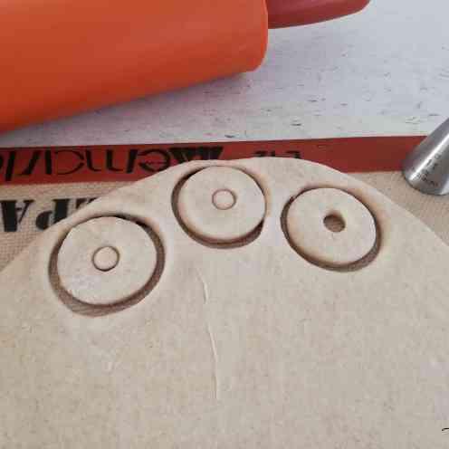 façonnage des mini donuts