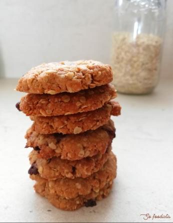 cookies-au-beurre-de-cacahuc3a8te-flocons-davoine-et-pc3a9pites-de-chocolat-6.jpg